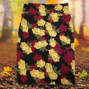 LULAROE Black with Roses Print Medium Cassie Skirt